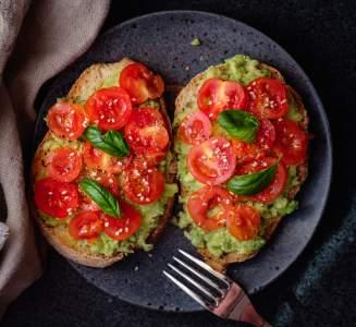avocado-toast-tomato